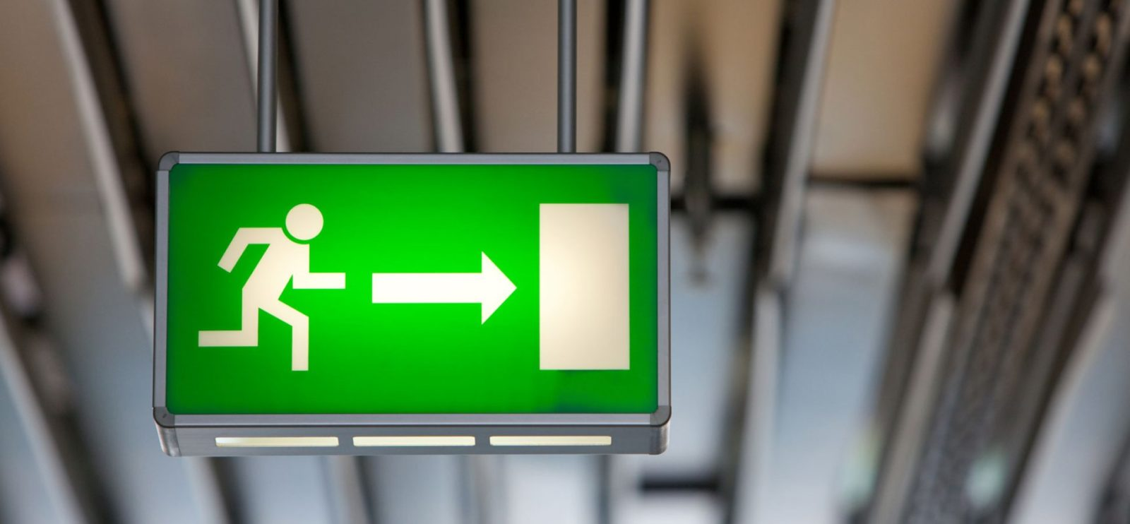 Требования пожарной безопасности к эвакуационным выходам: как найти выход, если проект не принимают?